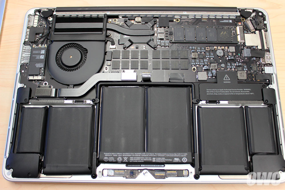 MacBook Pro retina mid 2014 内部構造