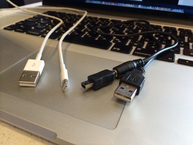 Micro-USB Lightningケーブル