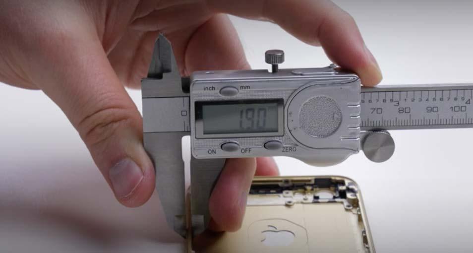 iPhone 6sのリアケースの厚み