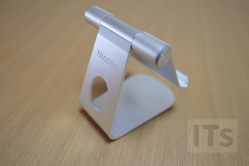 Niccou iPadスタンドの背面
