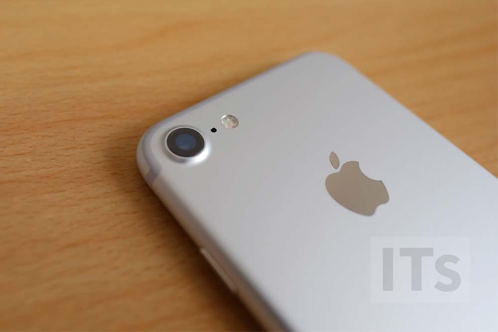 iPhone7 カメラレンズ