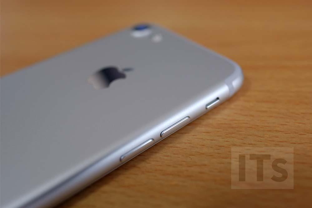 iPhone7 ボタン