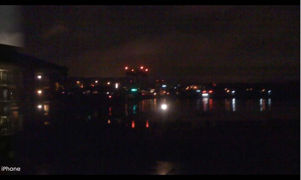 iPhone カメラ 夜間