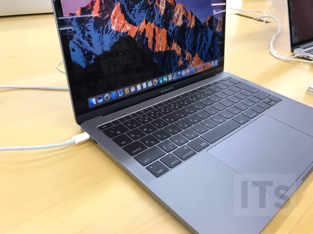13インチMacBook Pro(Touch Barなし)左側ポート