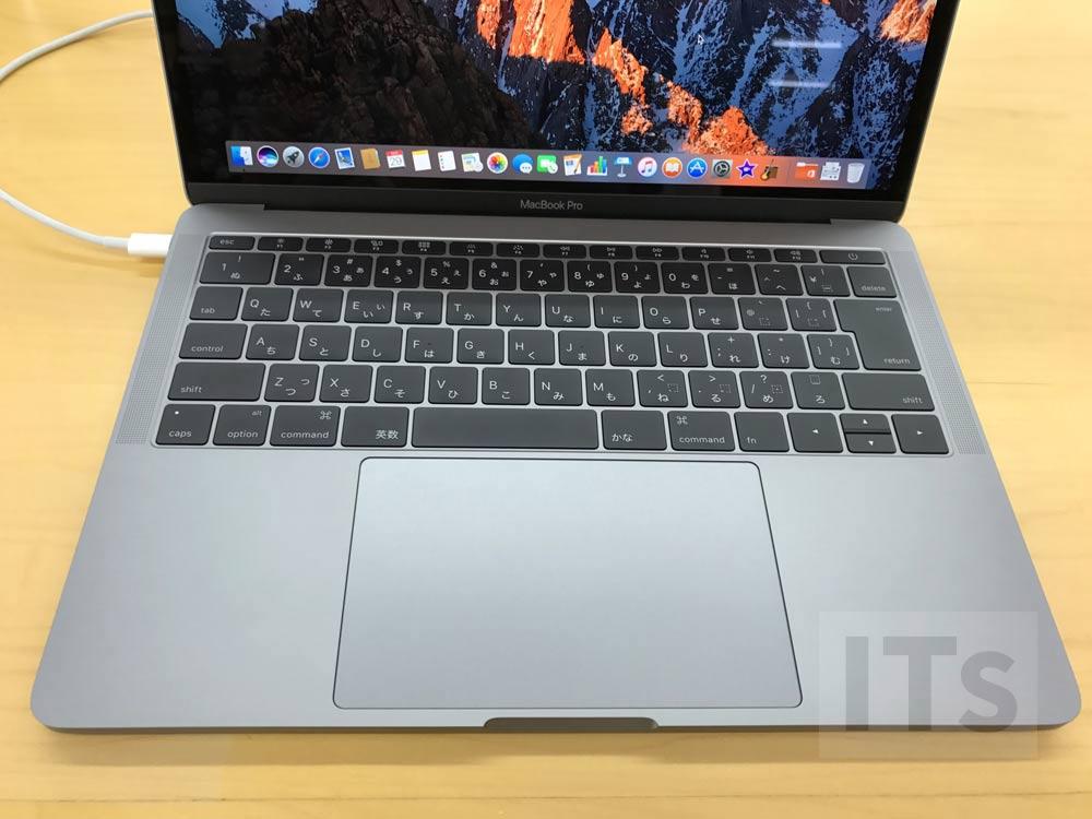 13インチMacBook Pro トラックパッド