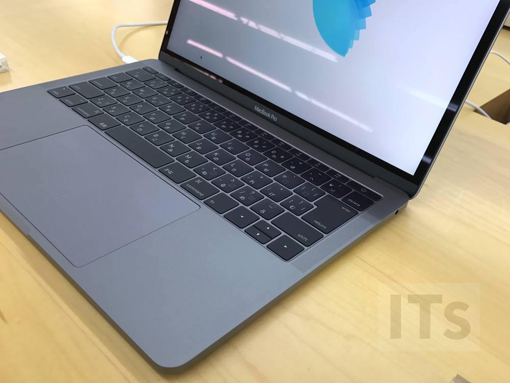 13インチMacBook Pro(Touch Barなし)右側ポート