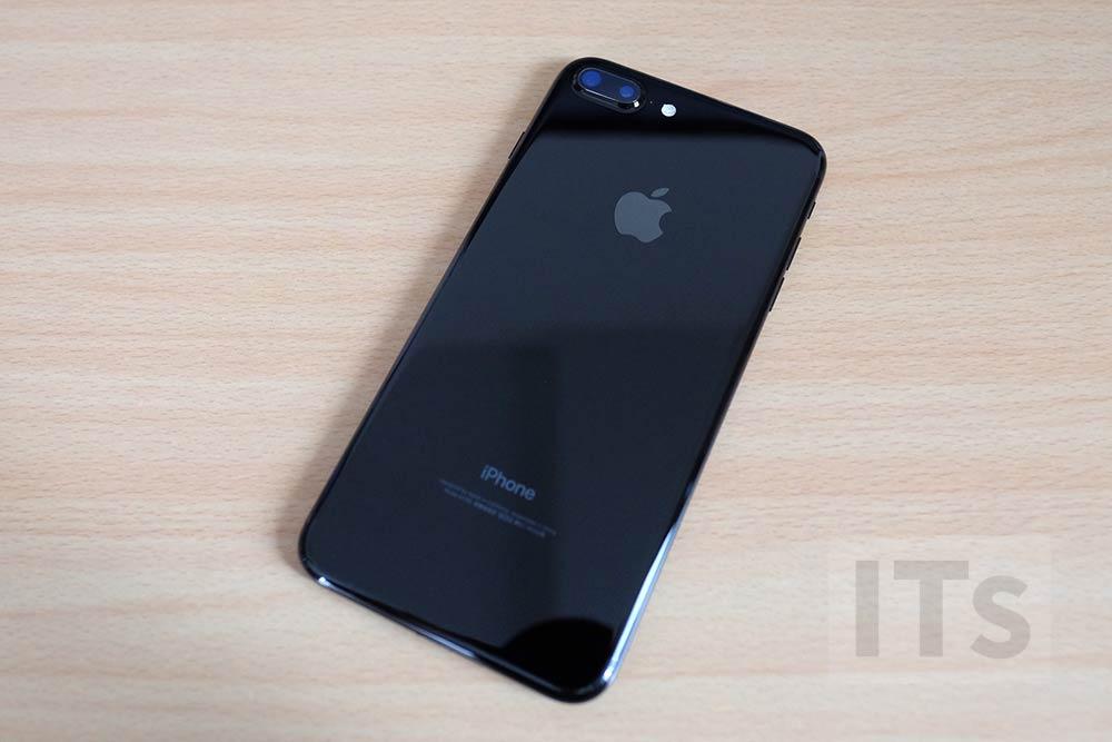 iPhone7 Plus ジェットブラック 背面部分
