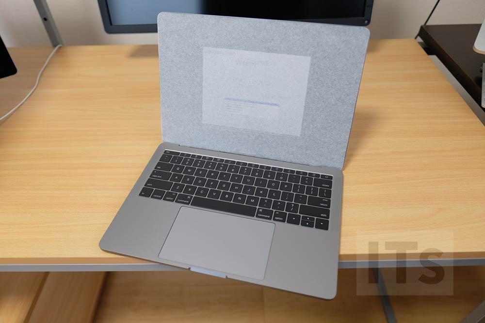 13インチ MacBook Pro 電源自動ON