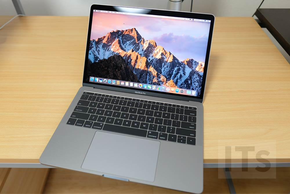 13インチ MacBook Pro 本体外観