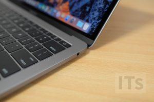 13インチ MacBook Pro ヘッドフォンジャック
