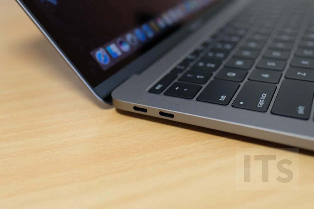 13インチ MacBook Pro USB-Cポート