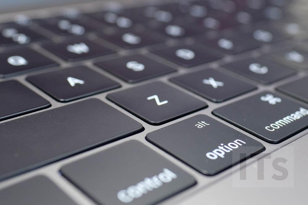MacBook Pro Late 2016 バタフライキーボード