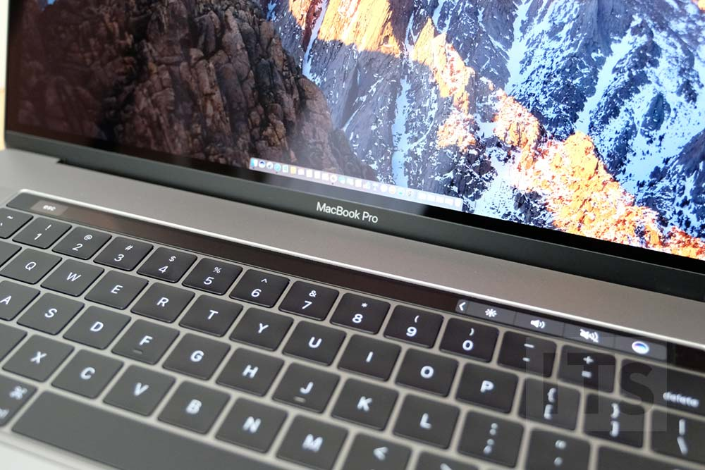 MacBook Pro Late 2016のロゴ