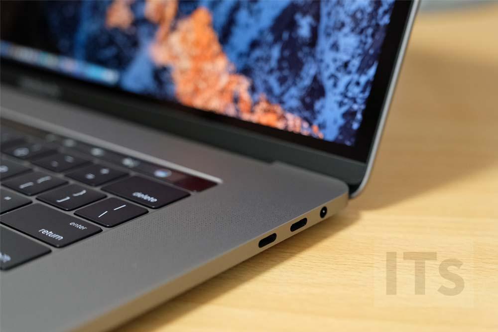 MacBook Pro 2016 右ポート
