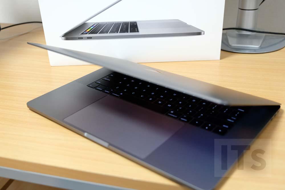 15インチ MacBook Pro 2016
