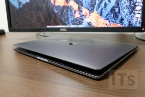 クラムシェルモード MacBook Pro Late 2016