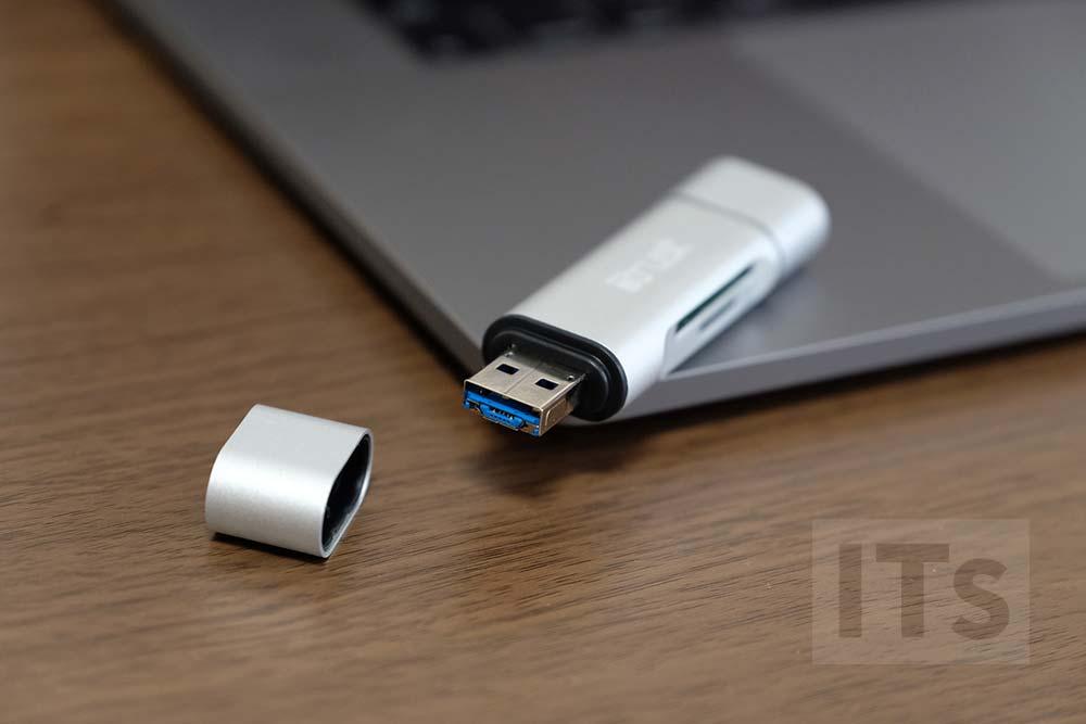USB-A SDカードリーダー