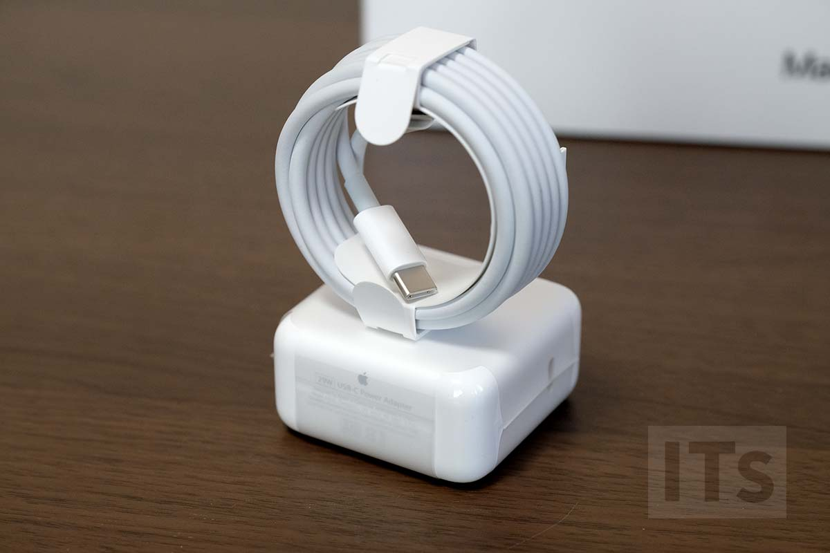 MacBook 2017 充電アダプタ