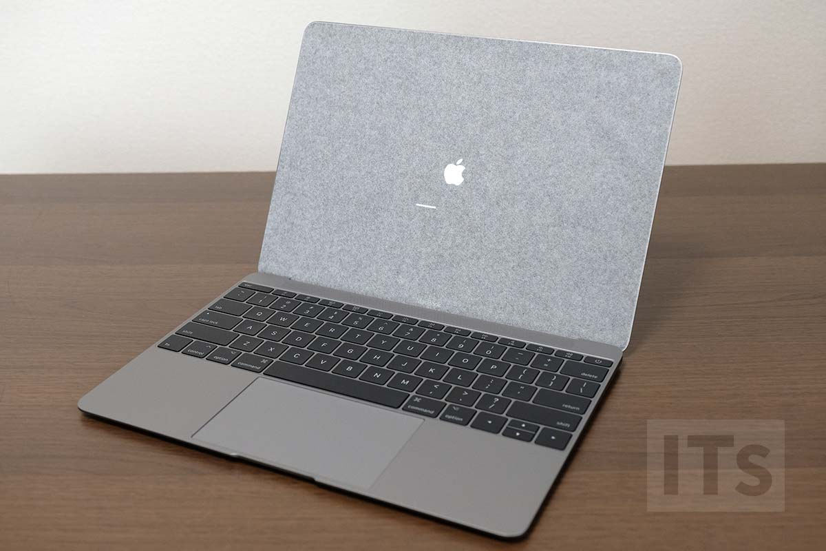 MacBook 2017 ディスプレイの保護