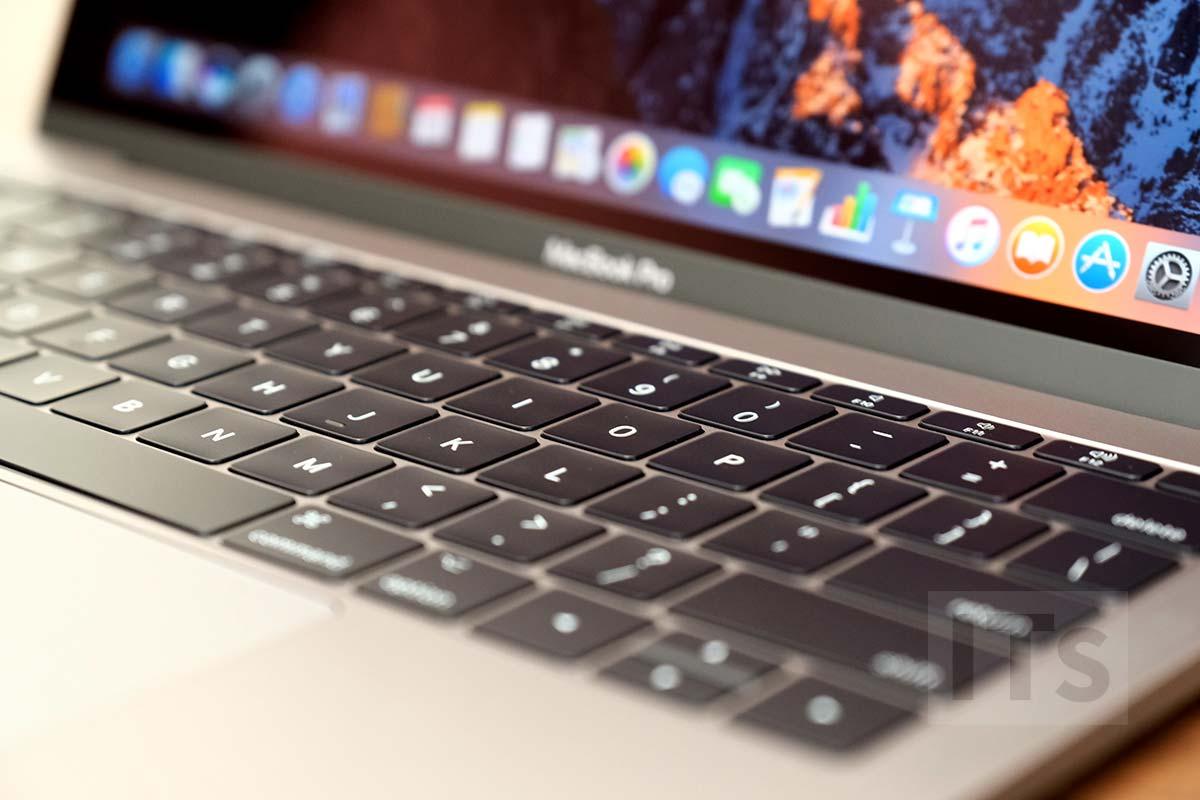 13インチMacBook Pro 2017 第2世代バタフライ構造のキーボード