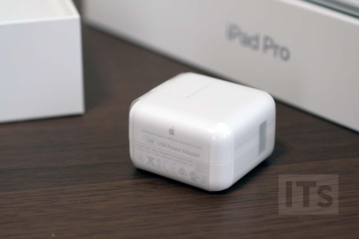 iPad Pro 10.5 充電アダプタ