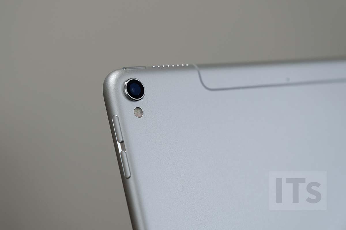 iPad Pro 10.5 カメラレンズ