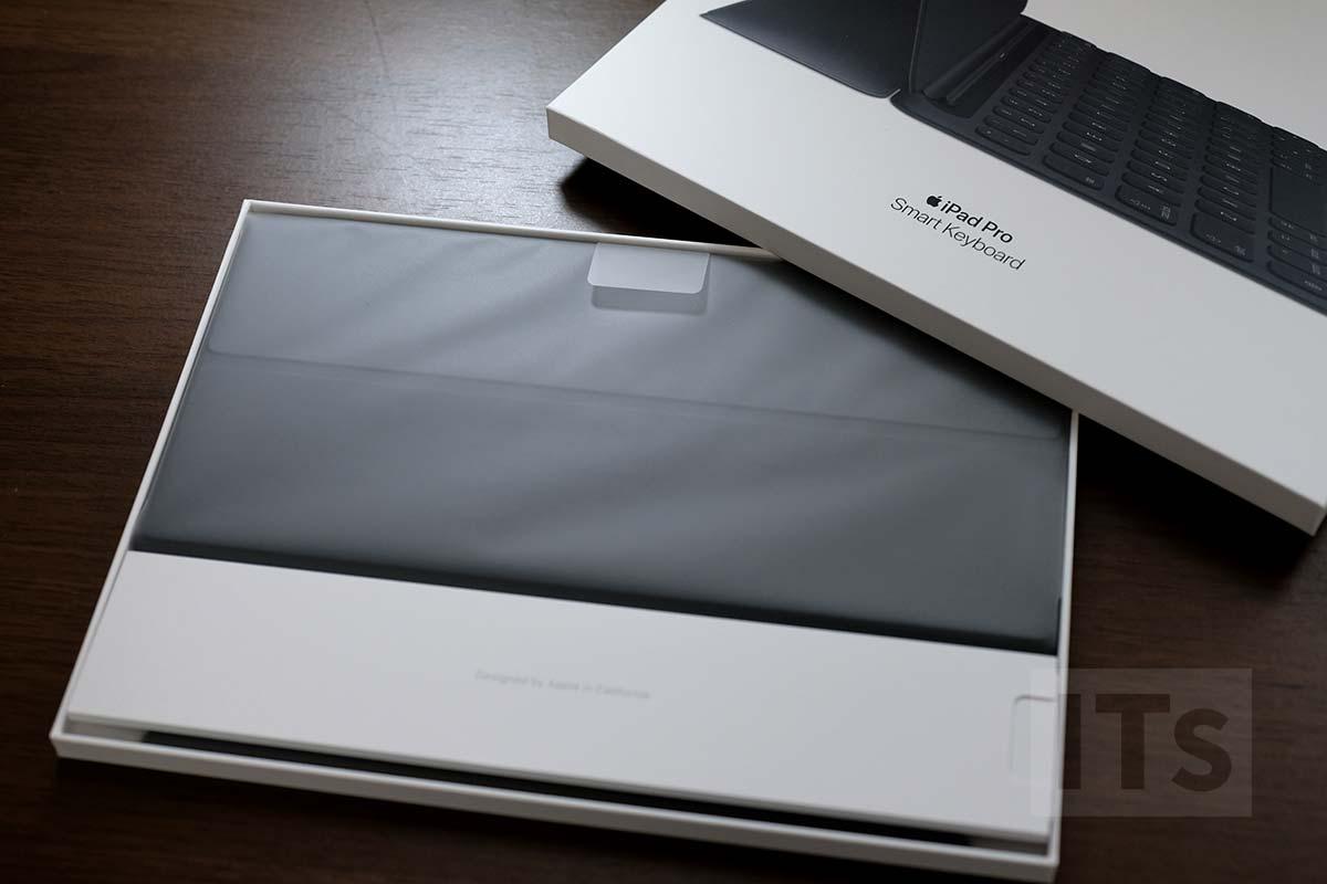 10.5インチ iPad Pro スマートキーボード 開封