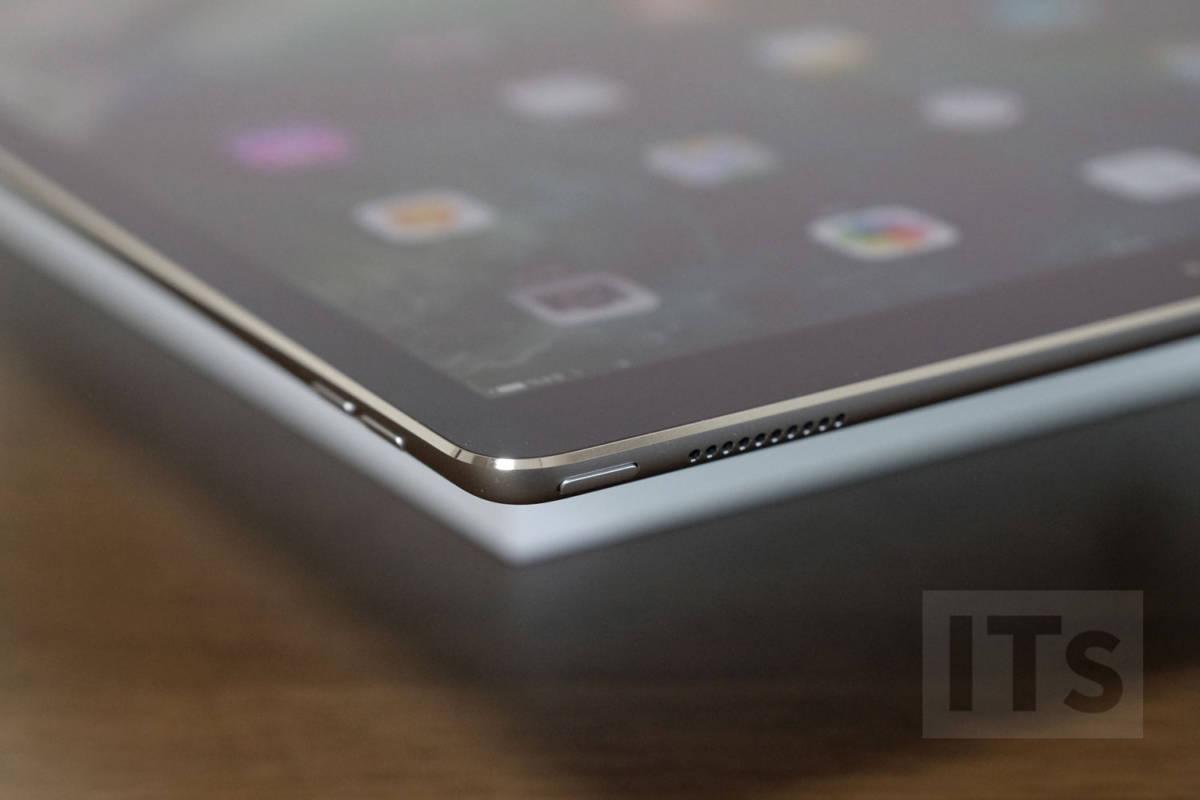 iPad Pro 12.9(第2世代)電源ボタン