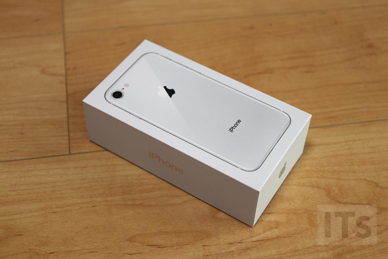 iPhone8 パッケージ