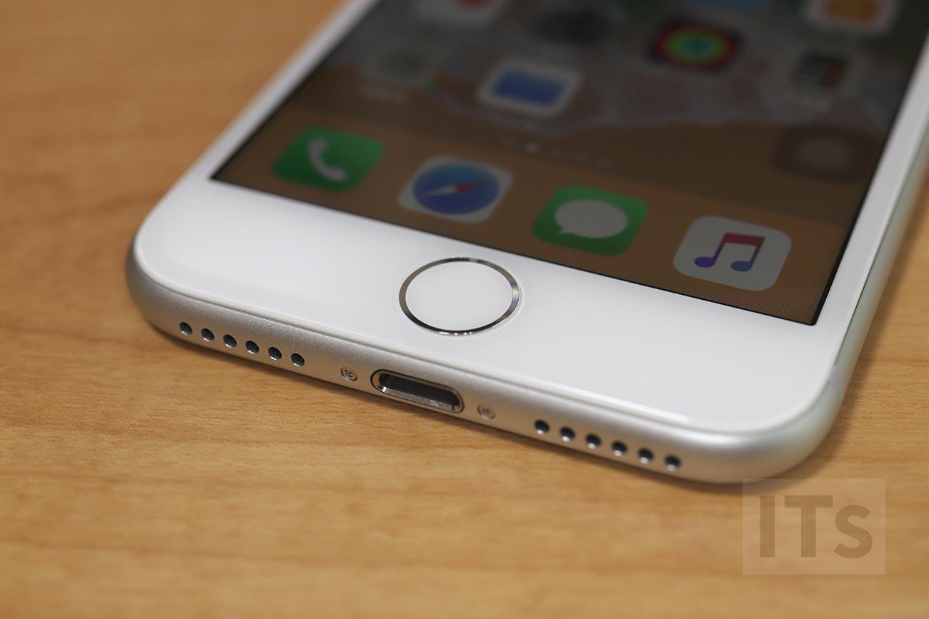 iPhone 8 ホームボタン