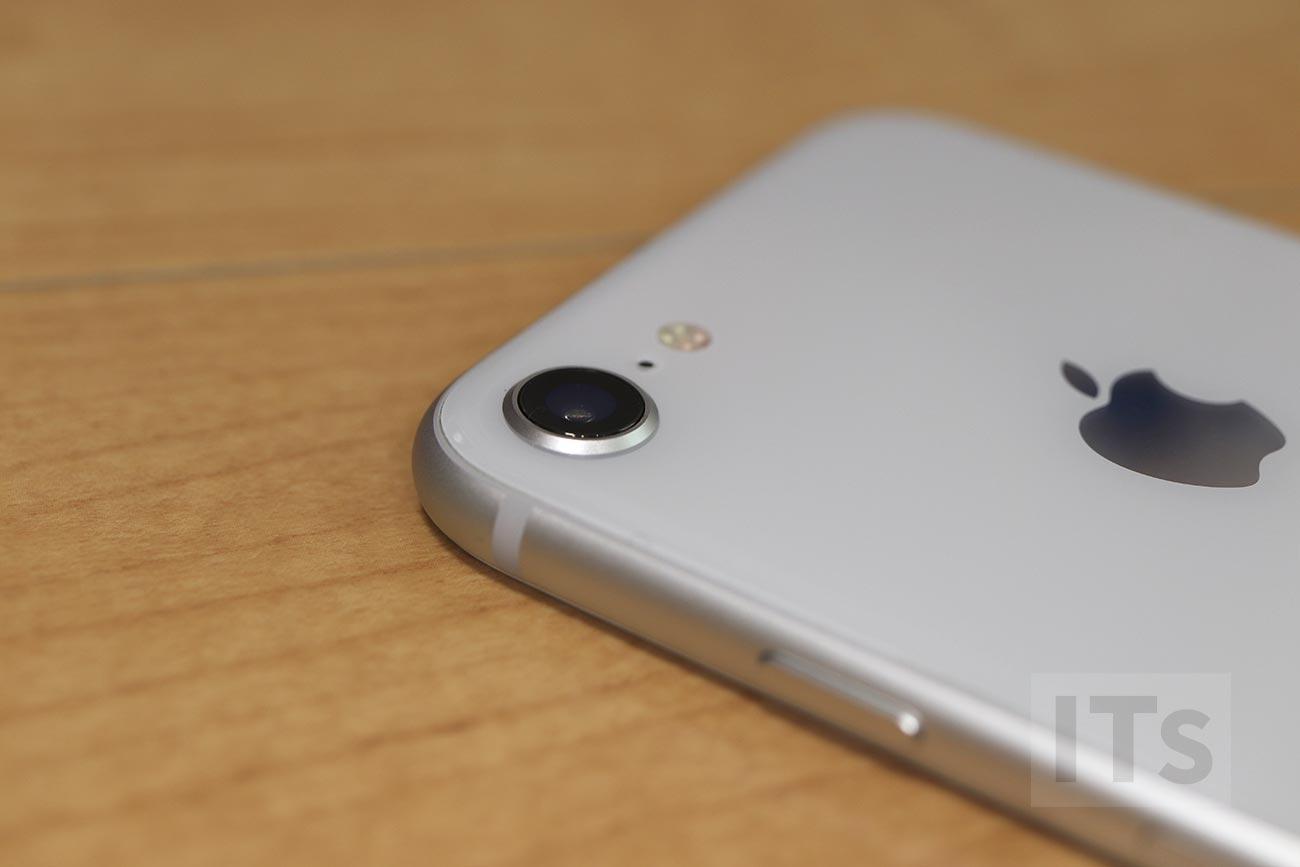 iPhone 8 カメラのレンズ