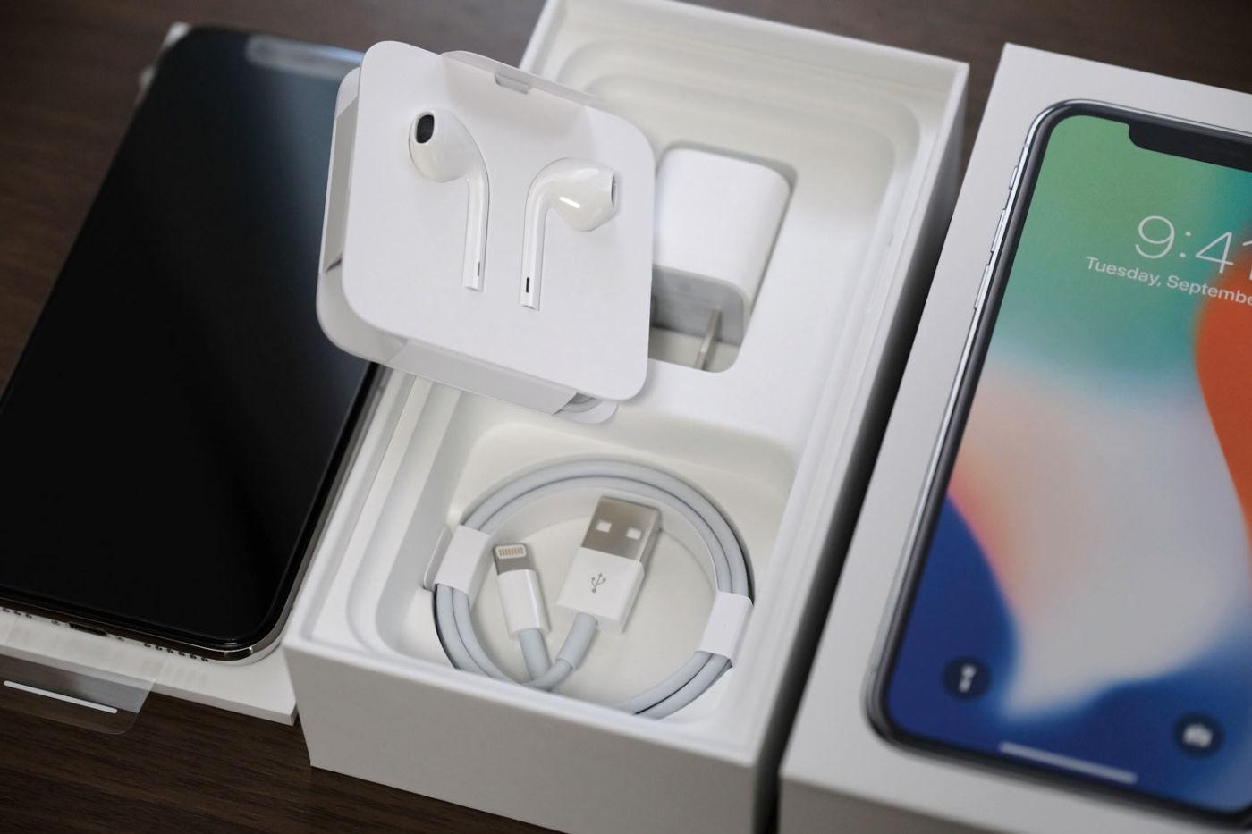 iPhone X 付属品