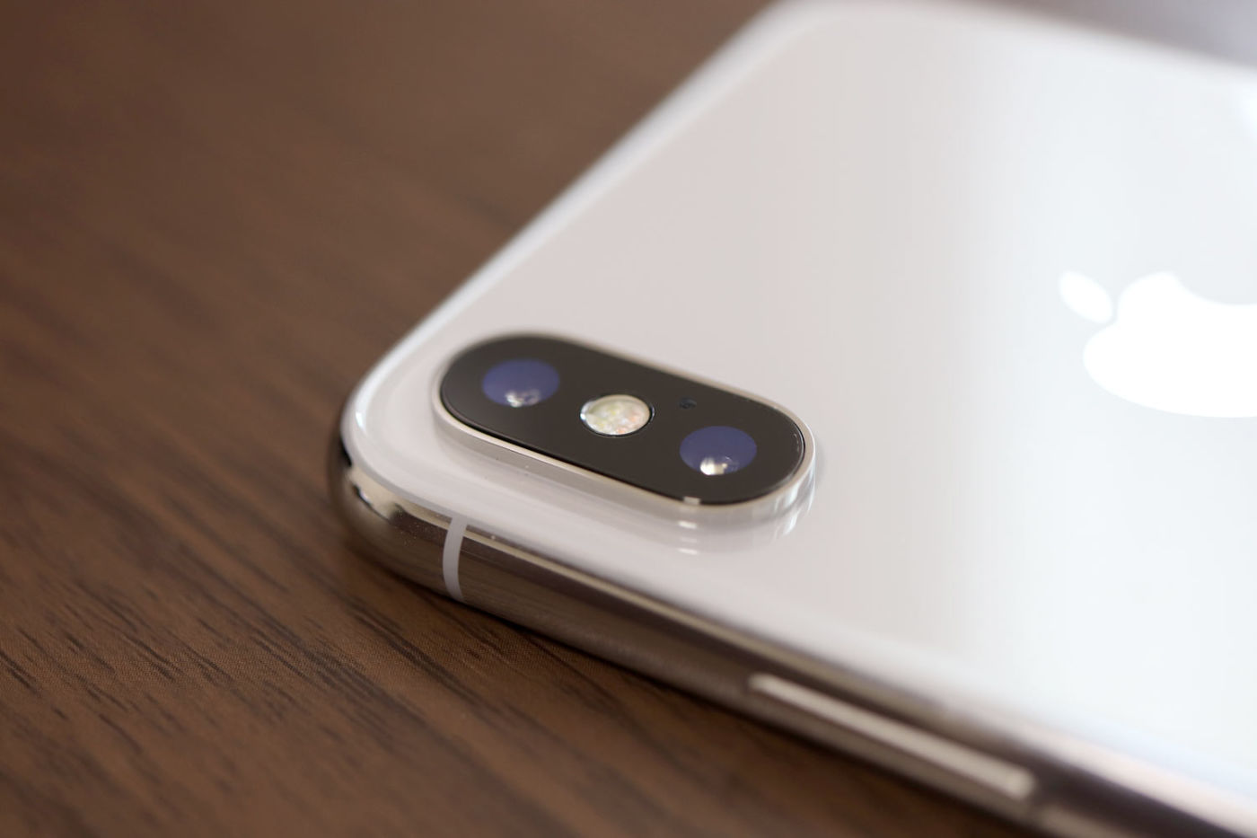 iPhone X デュアルカメラレンズ