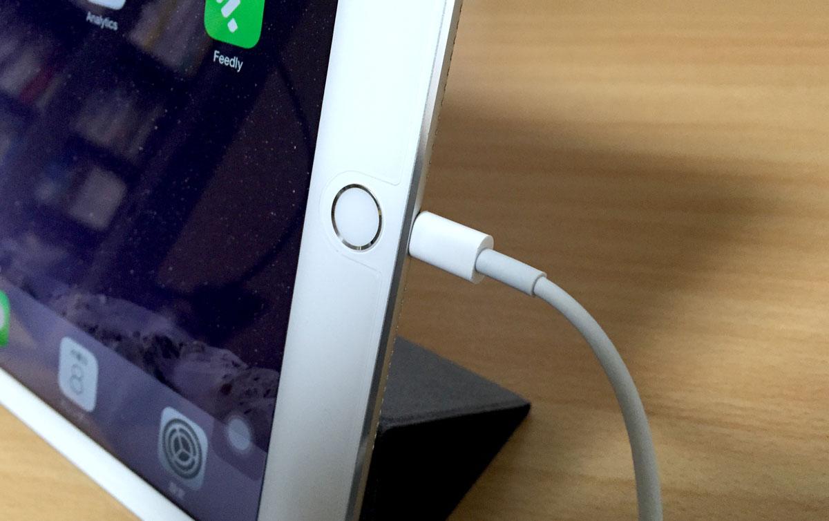 iPad Lightningコネクタ
