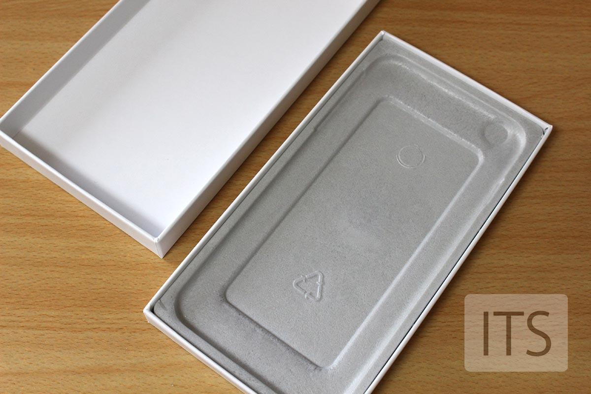 iPhone 修理用の箱