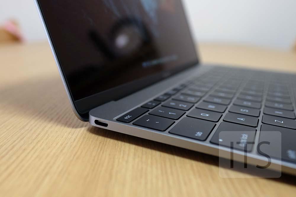 MacBook 2016 本体左側