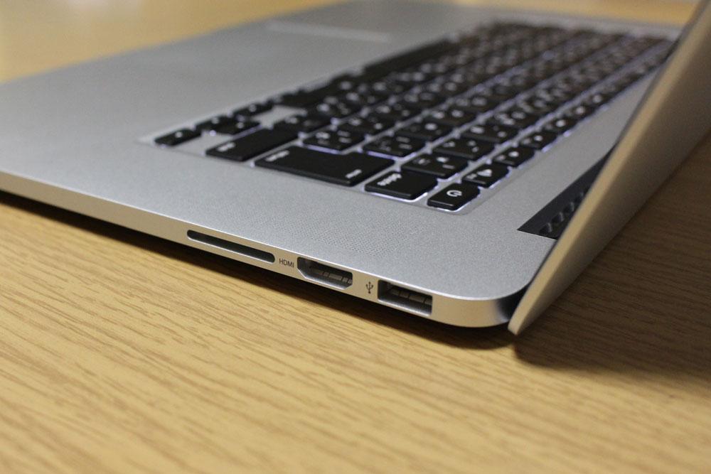 MacBook Pro Retina 本体右側の端子