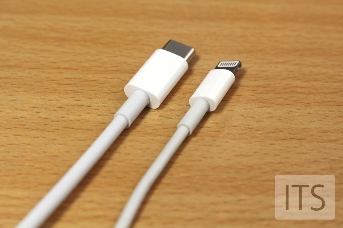 USB-CとLightningコネクタ 比較